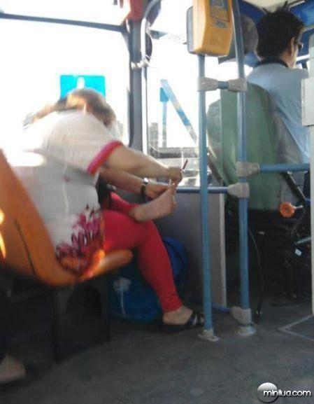 funny pic-funny travel-imagem engraçada-flagra-comedia-humor-transporte público-onibus-putaria (7)