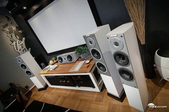 home-audio-setup-665x440
