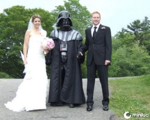 wtf-funny-wedding-darth-vader