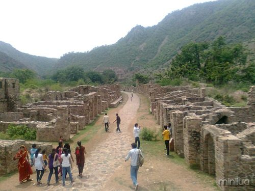 Bhangarh_ruined_village