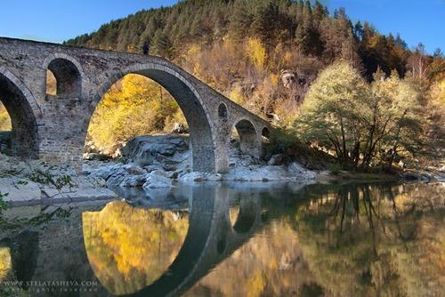 devil__s_bridge_fall_2010_by_tangratannakra-d34pnzm
