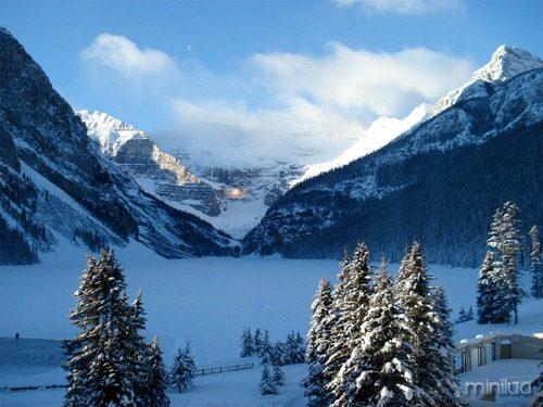 Lake-Louise-canada-9727980-1600-1200
