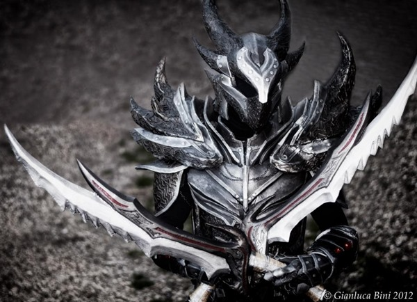 cosplay_dovahkiin_daedric_full_armor_from_skyrim_by_zerios88-d5r86ub