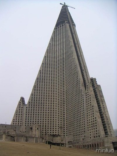 09092904_blog.uncovering.org_ryugyong