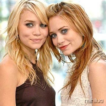 """Ashley Olsen and Mary Kate Olsen<br /> Mary-Kate Olsen, Ashley Olsen and Rachel Bilson Visit MTV's """"TRL"""" - May 5, 2004<br /> MTV Studios, Time Square<br /> New York City, New York United States<br /> May 5, 2004<br /> Photo by Kevin Mazur/WireImage.com</p> <p>To license this image (2669731), contact WireImage:<br /> U.S. +1-212-686-8900 / U.K. +44-207-868-8940 / Australia +61-2-8262-9222 / Germany +49-40-320-05521 / Japan: +81-3-5464-7020<br /> +1 212-686-8901 (fax)<br /> info@wireimage.com (e-mail)<br /> www.wireimage.com (web site)"""