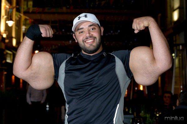 Moustafa Ismail_World's Largest Biceps (10)
