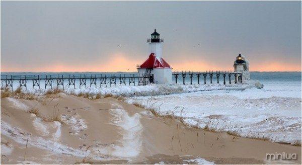 St_Joseph_Mi_North_Pier_Lighthouse