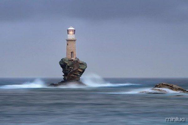 Tourlitis-Lighthouse-Greece-1 (1)