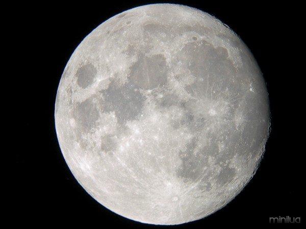 Moon-09.04.04