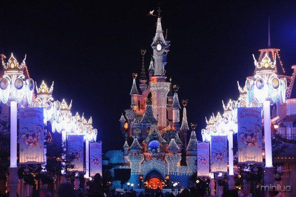 Disneyland Paris Magic Christmas Season Launch