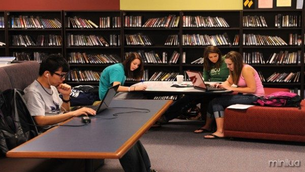students-studying-at-Mabee-d