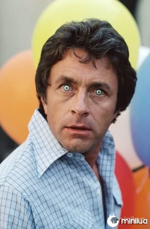 "LOS ANGELES - DECEMBER 14: THE INCREDIBLE HULK cast member Bill Bixby as he transforms into the 'Hulk'. Episode 42: ""Babaloa"" Original Airdate: December 14, 1979. (Photo by CBS via Getty Images) *** Local Caption *** Bill Bixby"