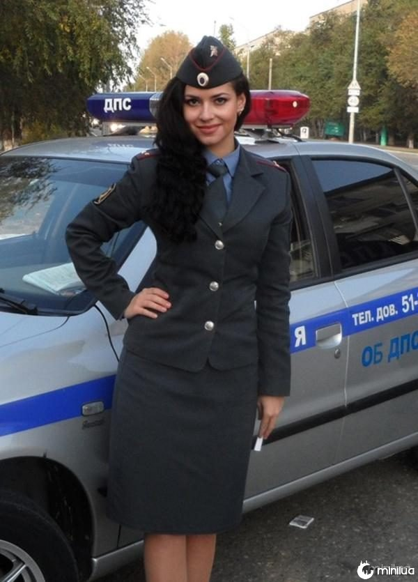 beautiful-female-police-officers4