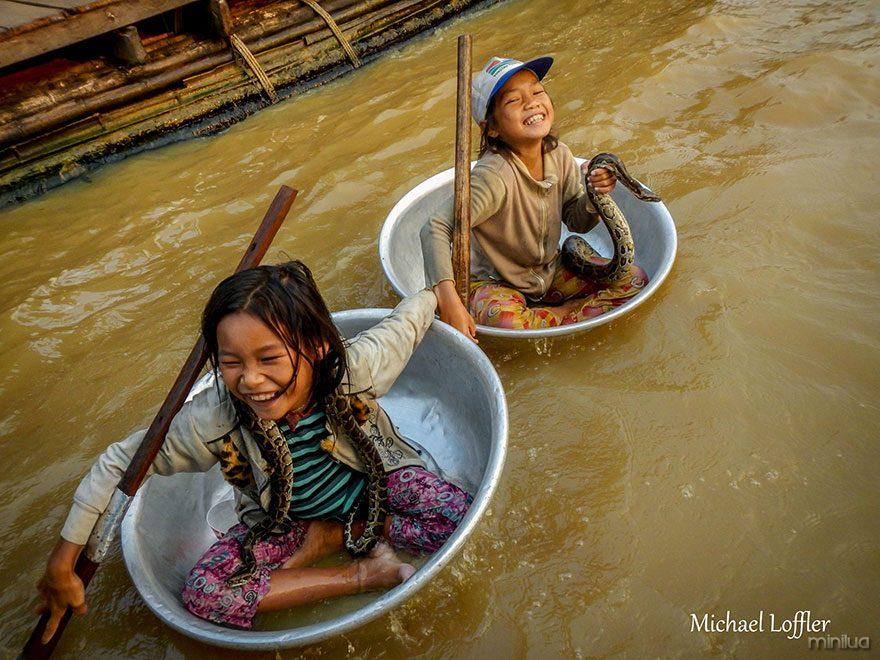 travel-photography-around-world-depression-michael-loffler-3