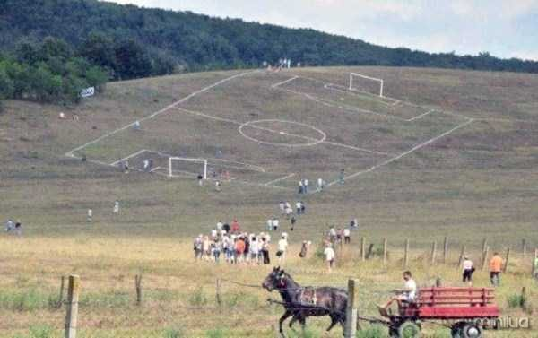 unusual-soccer-fields (8)