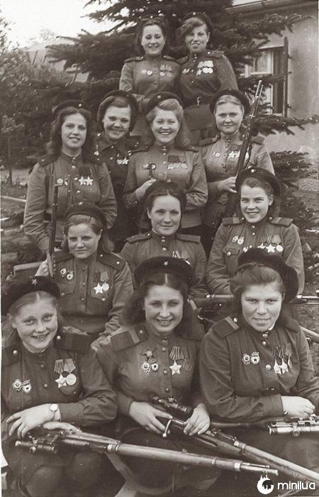 mulheres armados foto antiga
