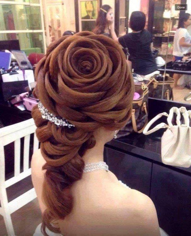 um cabelo rosa garota perfeita penteado