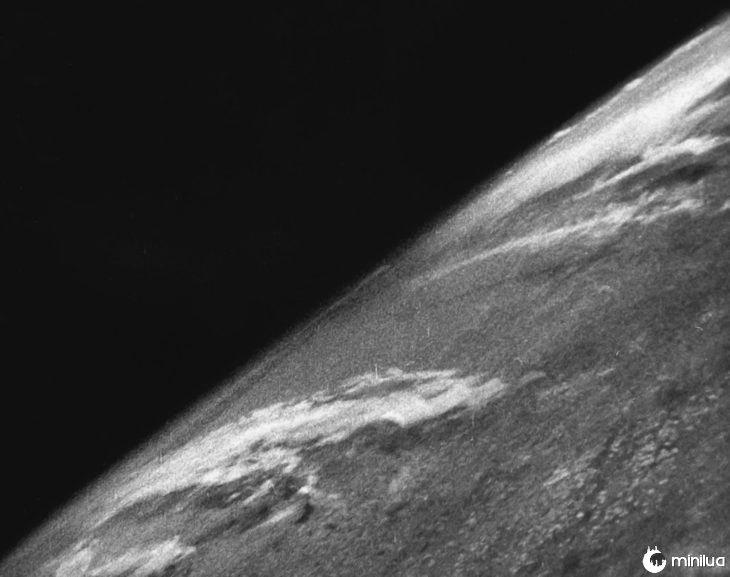 Primeira imagem da Terra vista do espaço