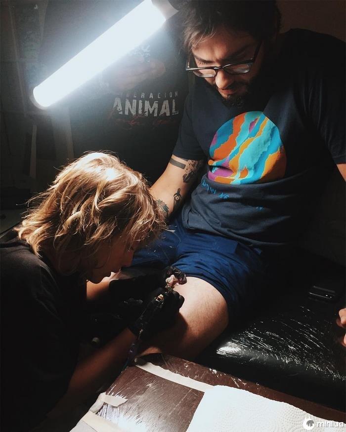 12 anos de idade, tatuador-artista-ezrah-the-shark-dormon-5