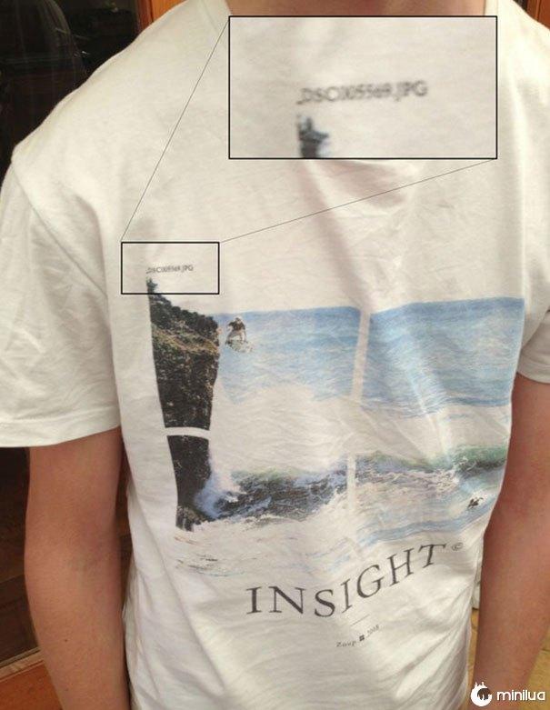 A camisa do meu amigo tem o nome do arquivo de imagem nele