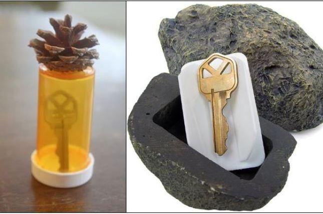 colocar uma chave de reposição em um vidro de remédio e enterrá-lo