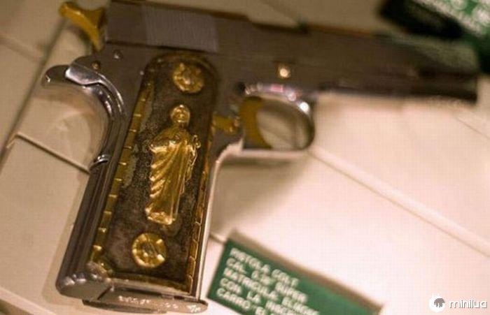 gun Templários com o santo do St. Jude Thaddeus