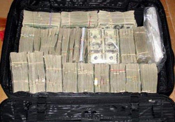 Templários encontraram o dinheiro em malas
