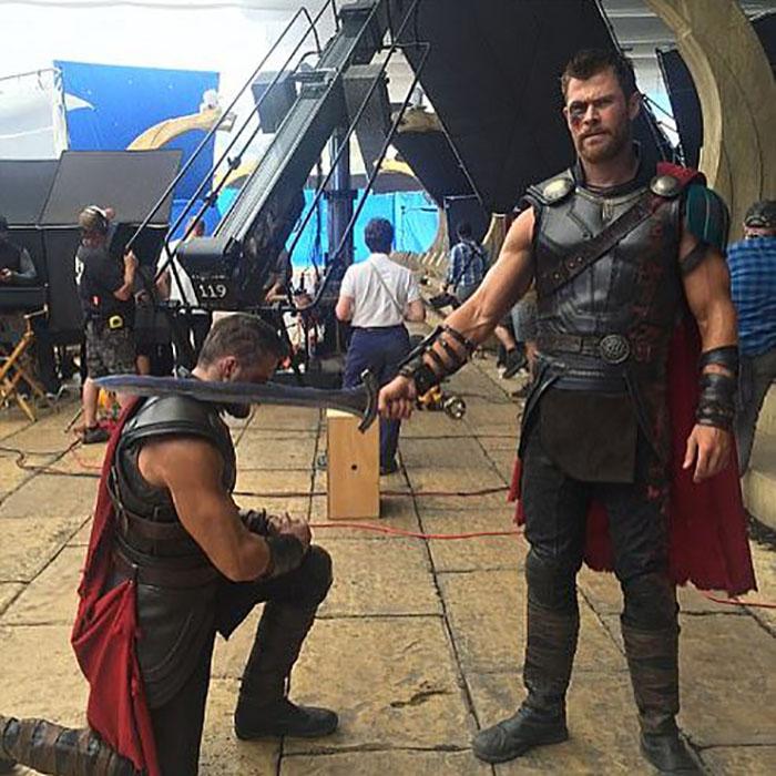 marvel-avengers-actors-stunt-doubles-5-5afec74a486a4__700
