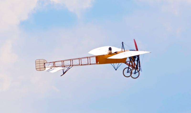 O homem odiava seu trajeto que construiu o seu próprio avião | Minilua