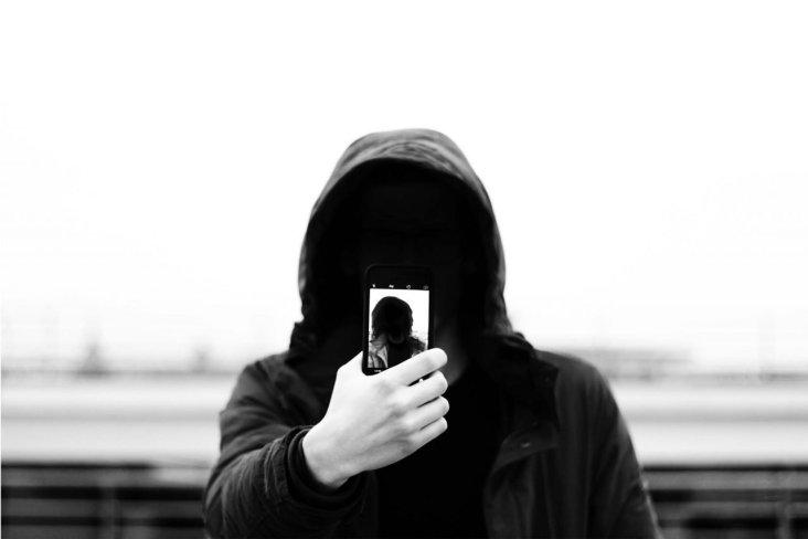 ragazzo e ombra selfie