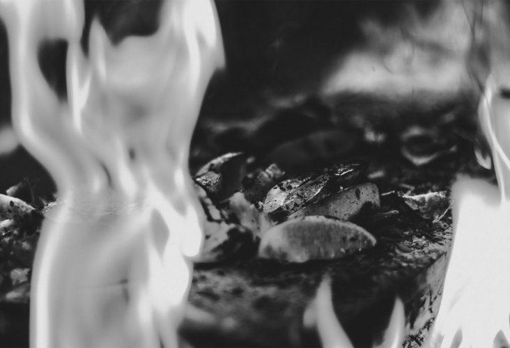 fuoco che brucia