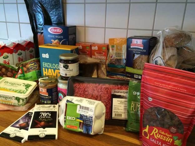 Enormt skönt att någon annan packar och bär hem kassarna med mat. :)