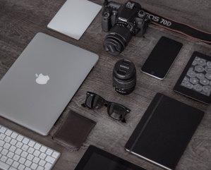 iPhoneや MacBookなどのガジェット