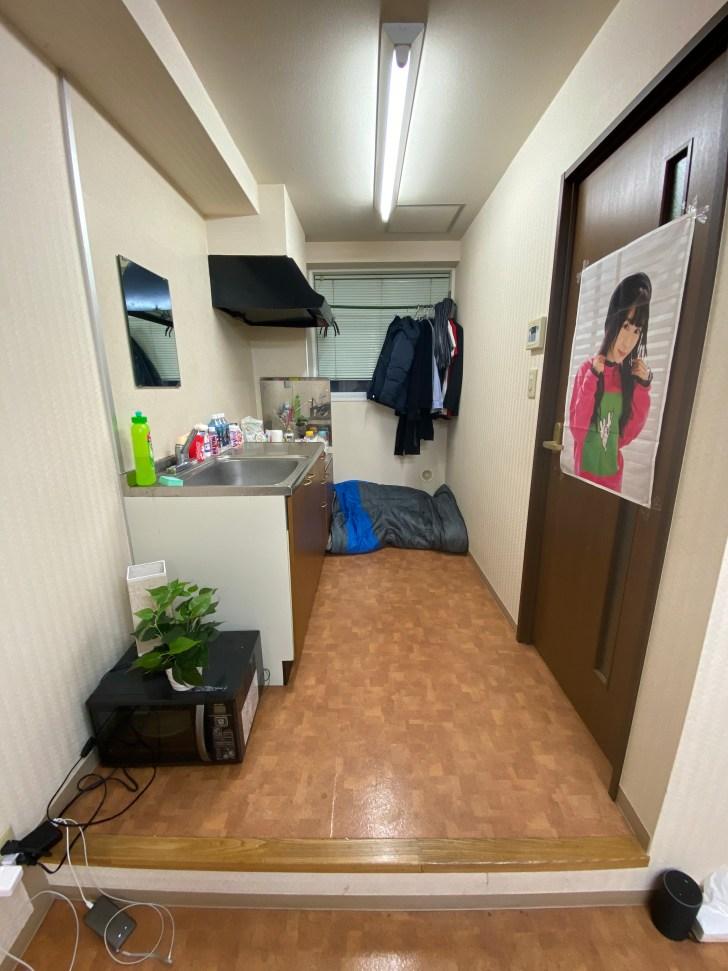 ワンルームに住む大学生ミニマリストの部屋のキッチン