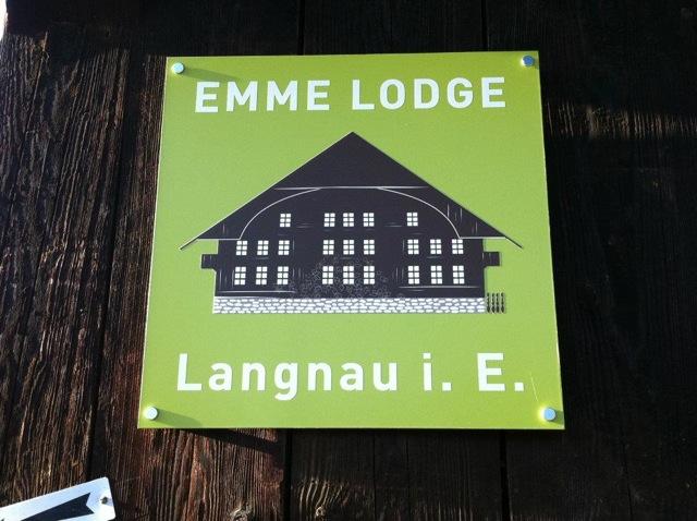 Logo schild emme lodge von letteraetc.ch