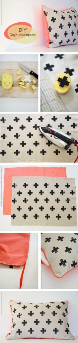 DIY Geschenke können richtig DELUXE sein. Auf minimalistmuss findet ihr eine ganze Sammlung dieser einzigartigen Selbstmachgeschenke. Hier DIY Kreuz-Kissenbezug