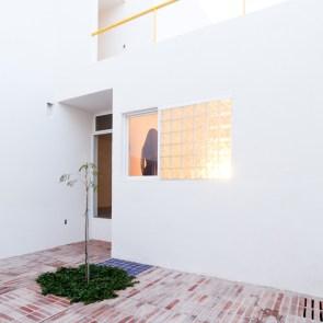 53e16b27c07a801874000235_pino-street-house-oscar-guti-rrez_5-1-1000x1000