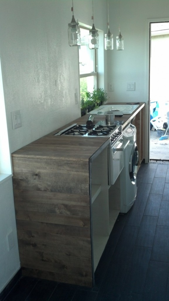 The kitchen is coming together