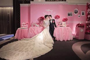 【婚禮】台南晶英酒店歸寧║挑高大廳、粉色系花牆佈置、客製化婚禮小物