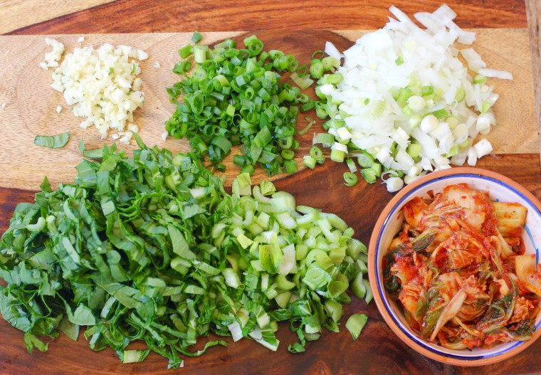 kimchi-fried-rice-ingredients-chopped