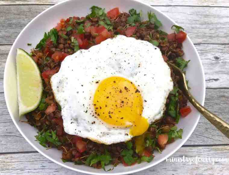 sprouted lentils breakfast bowl