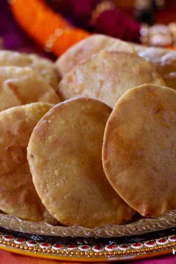 Saranachi Puri {fried flatbread with sweet stuffing}