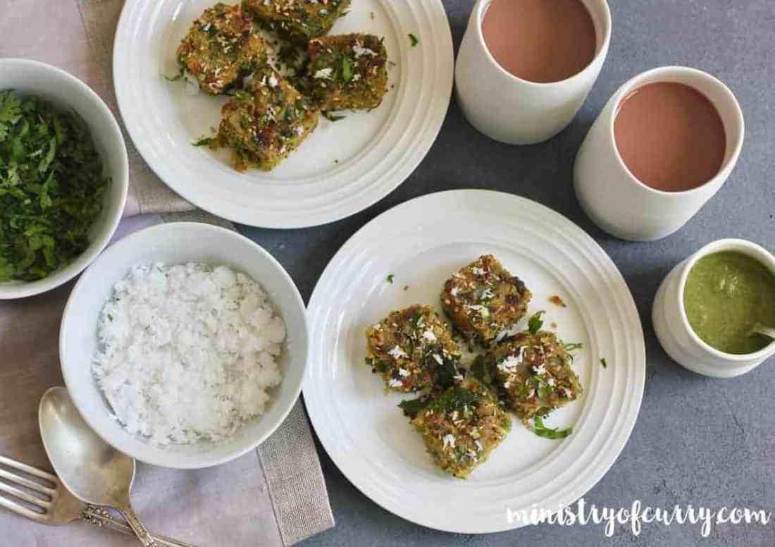 dudhi muthiya with chai