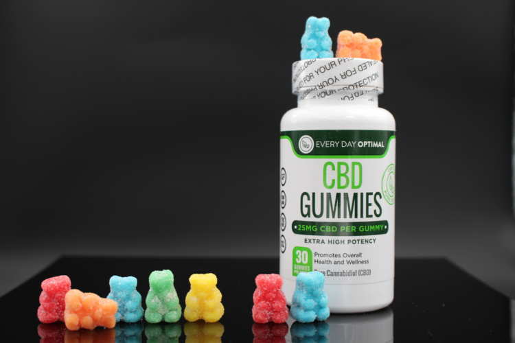 Every Day Optimal CBD gummies pack a potent 25mg of CBD oil relief into a sweet/sour chewy candy shape.