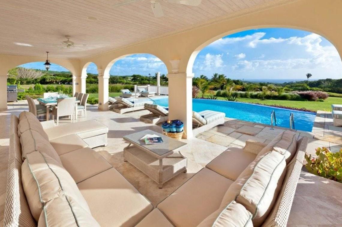 Barbados 280 outdoor area