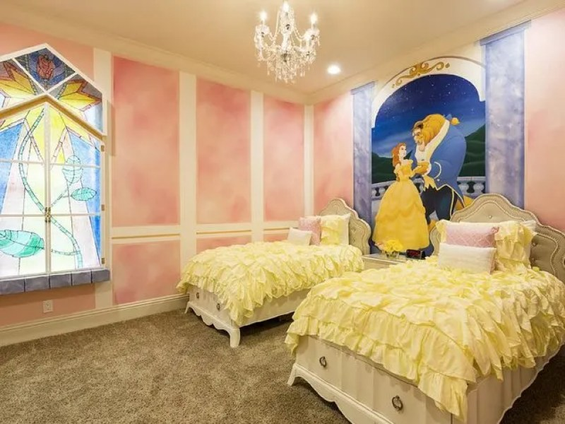 Reunion Resort 459's Beauty and the Beast Bedroom