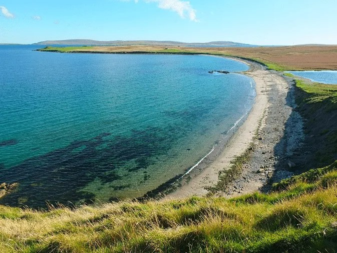 A WALK TO BURRA NESS BROCH