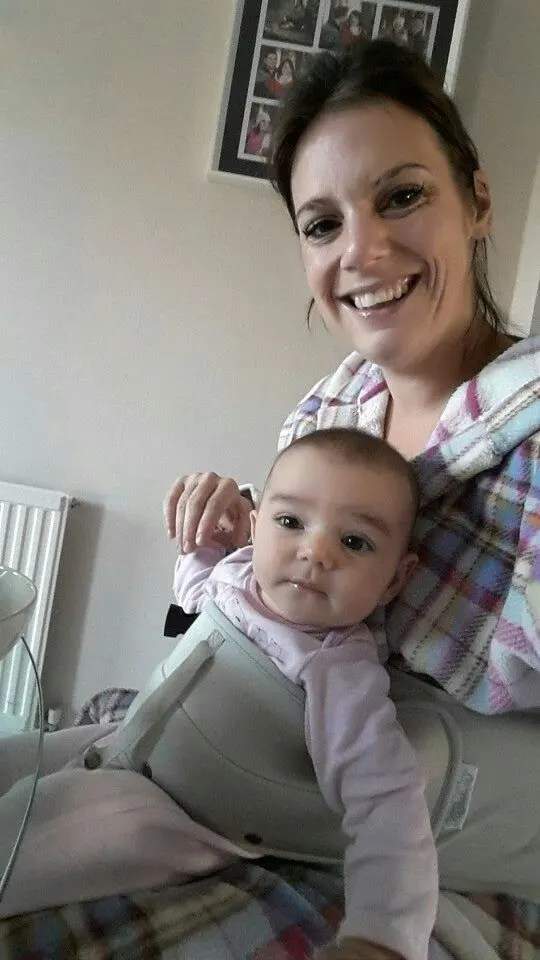 Review: Lap Baby - The Hand Free Seating Aid www.minitravellers.co.uk