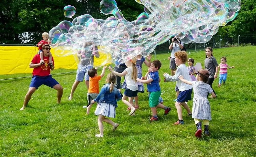 Elderflower Fields festival giant bubbles www.minitravellers.co.uk