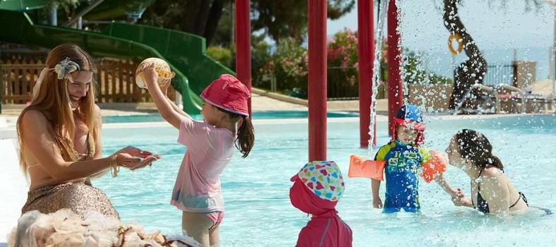 Top 5 Hotels Where Kids Go Free www.minitravellers.co.uk